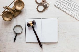 עורך דין פלילי או סנגוריה משפטית?